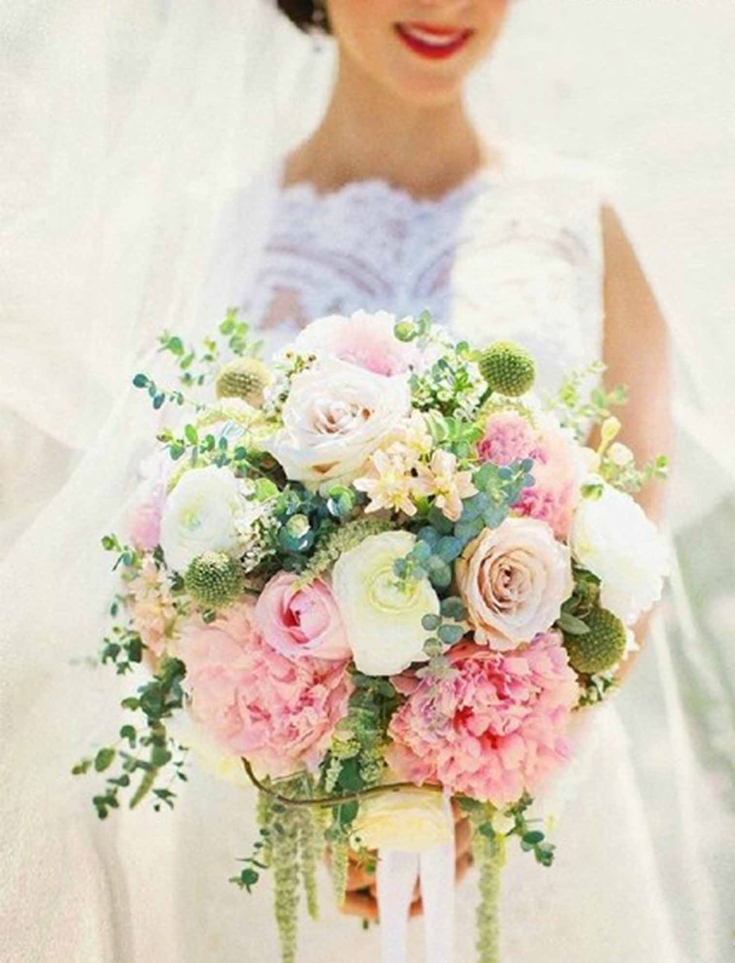 big flowers summer wedding bouquets