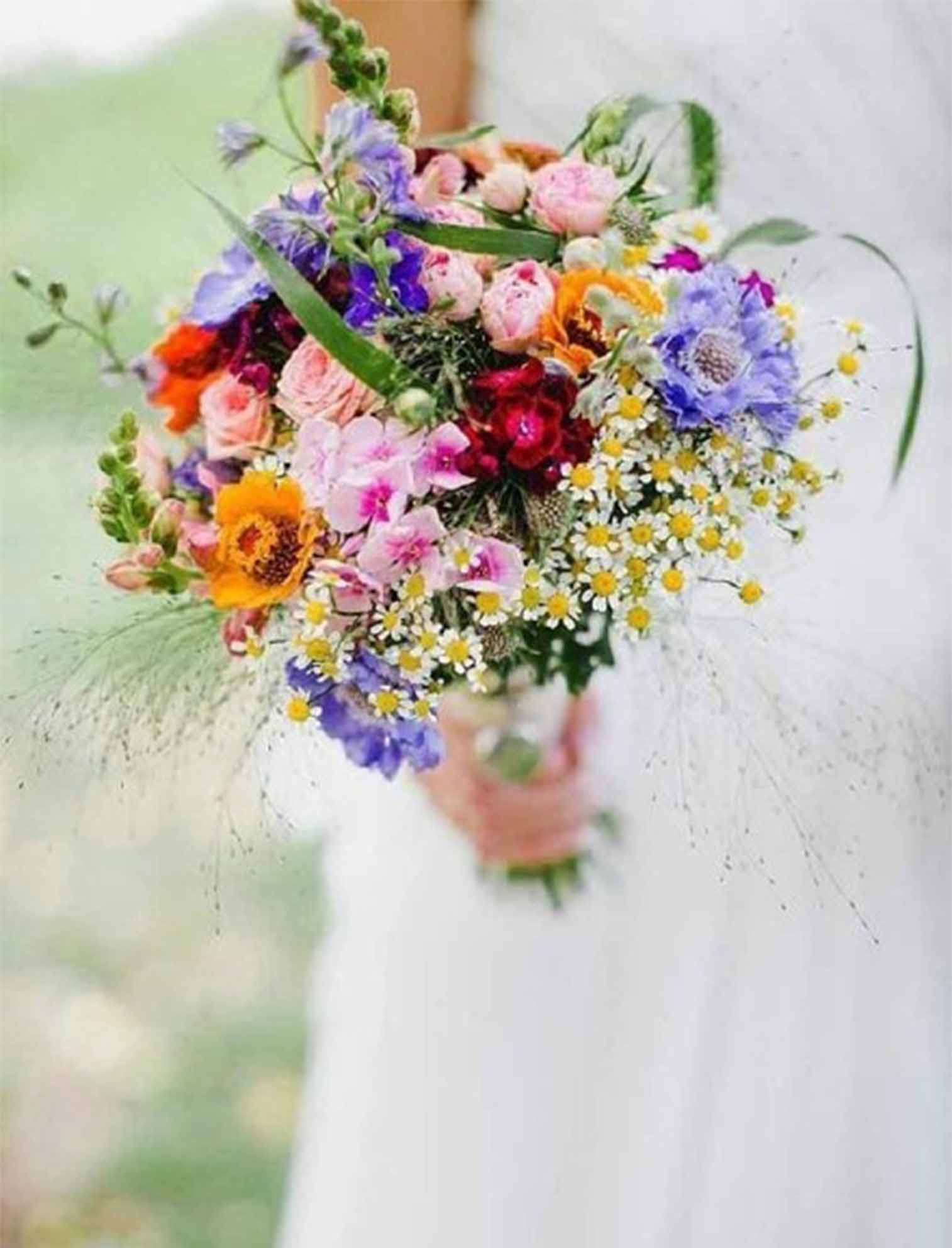 close to nature wedding bouquets for fall wedding